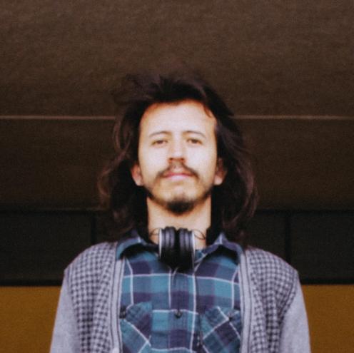"""Sebastián Sanchez - Diseñador y cámara en """"Iwianch"""", cámara en """"Omnitron"""", sonido en """"Cambéo"""""""